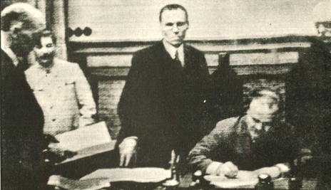 August 24-25, 1939 – Non-Aggression Pacts – Germany And Russia Sign A Treaty – The World Is Perplexed