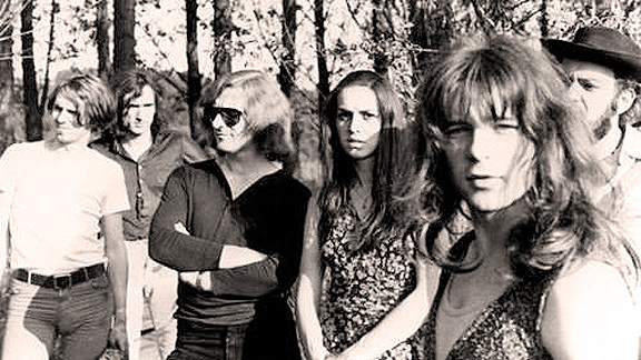 Amon Düül II – Live In London – 1973 – Nights At The Roundtable: Mini-Concert/Rock Without Borders Edition