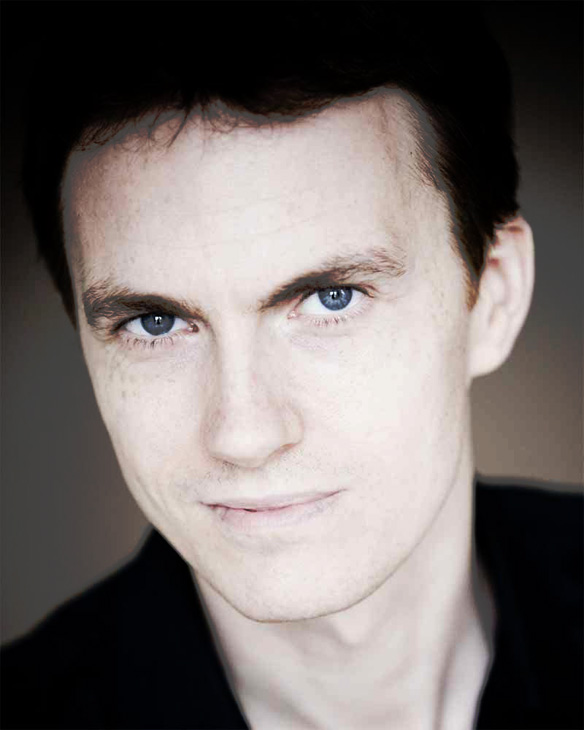 Alexandre Tharaud With The Frankfurt Radio Symphony Play Music Of Ravel, Pesson, Webern And Stravinsky – Past Daily Mid-Week Concert