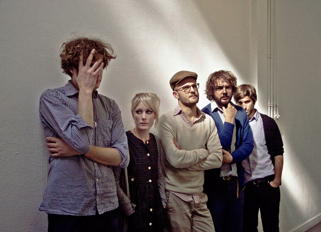 Shout Out Louds – Live In Stockholm – Nights At The Roundtable: Rock Without Borders/Mini-Concert Edition