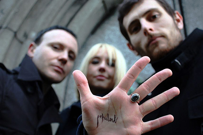 The Joy Formidable – Live At Lowlands 2013 – Nights At The Roundtable: Festival Edition