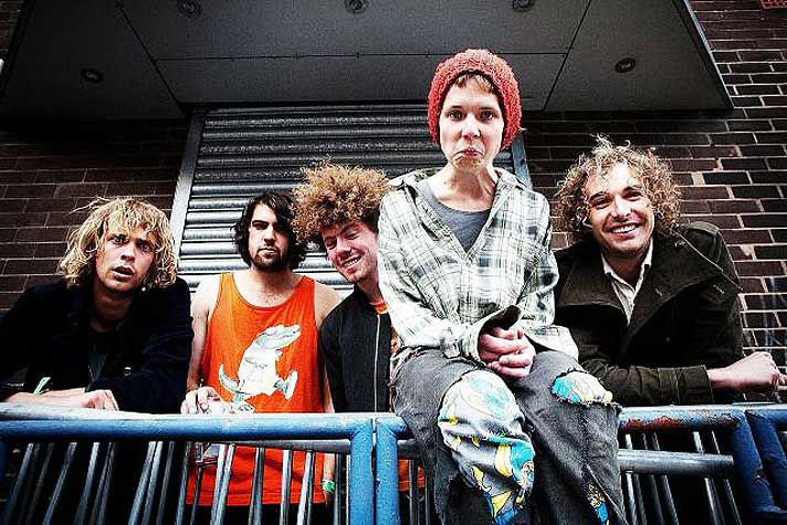 Pond – Live At Amplifier – Perth – 2010 – Past Daily Backstage Weekend – New Faces Edition