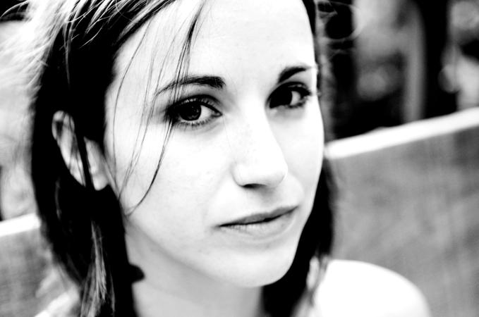 Holly Miranda – Live At Glasslands 2013 – Nights At The Roundtable