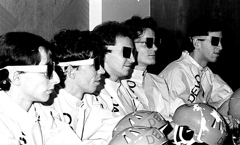 Devo – In Concert – Minneapolis – 1978 – (RIP – Bob Casale) – Nights At The Roundtable: Tribute Edition
