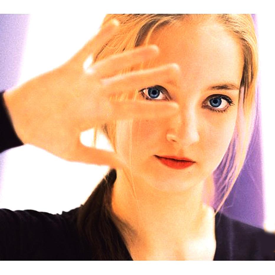 Lise de la Salle Plays Music of Schumann, Brahms, Chopin, Rachmaninoff And Scarlatti – In Recital – Past Daily Mid-Week Concert