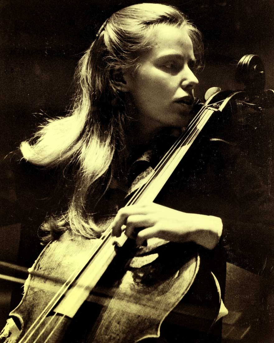 Jacqueline Du Pre With Lawrence Foster And The Los Angeles Philharmonic In Music Of Beethoven, Goehr And Haydn – 1967 – Past Daily Mid-Week Concert