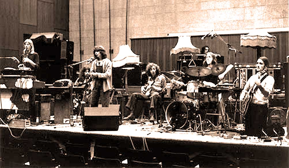 Henry Cow – New London Theatre 1975 – Nights At The Roundtable: Mini-Concert Edition