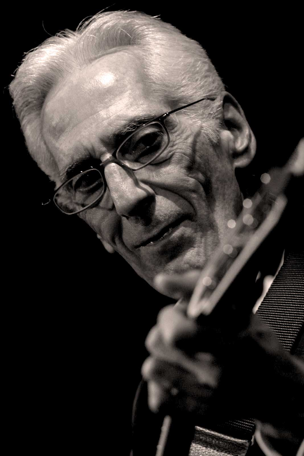 Pat Martino Trio – Live At Lotos Jazz Festival, Poland – 2014 – Past Daily Weekend Gallimaufry