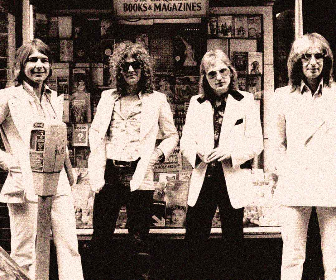Mott The Hoople – Live At The Santa Monica Civic – 1974 – Past Daily Soundbooth