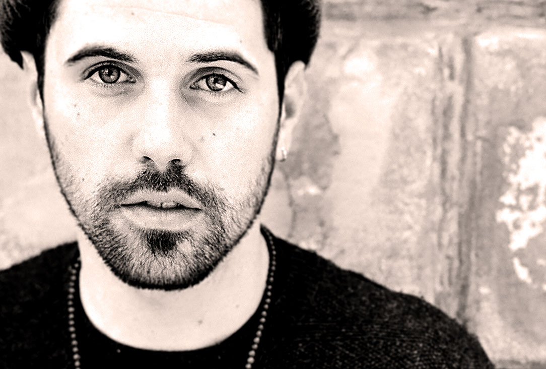 Nick Mulvey – Live at Into The Great Wide Open 2014 – Nights At The Roundtable: Festival Edition