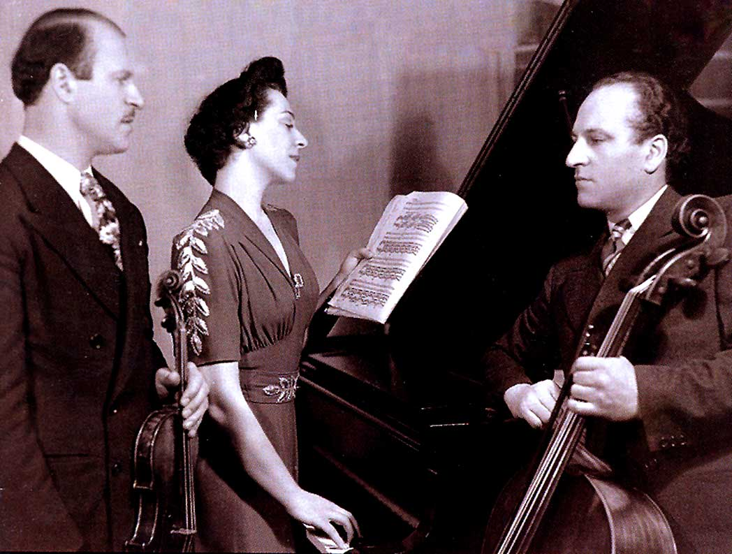 The Compinsky Trio Play Music Of Wallingford Riegger – 1946 – Past Daily Weekend Gramophone