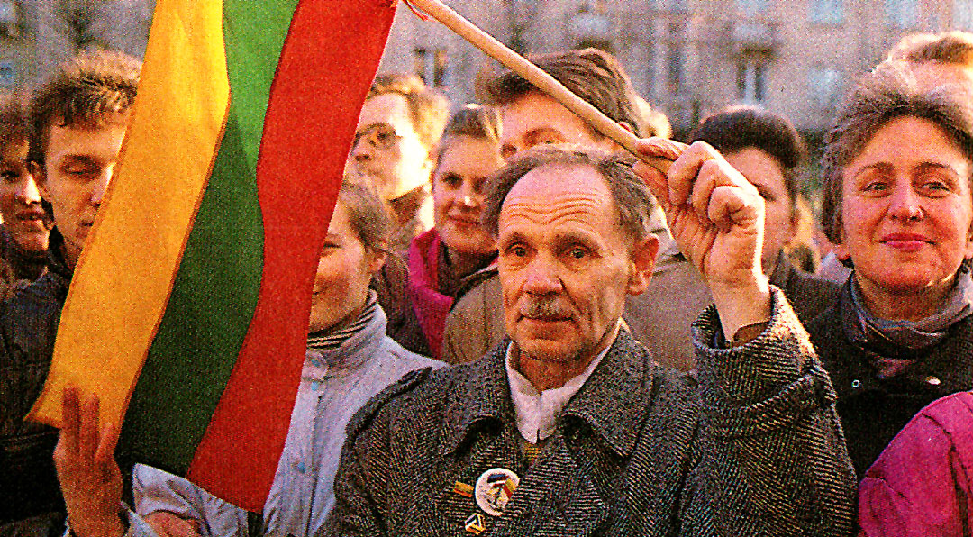 March 27, 1990 – Looking To Lithuania.