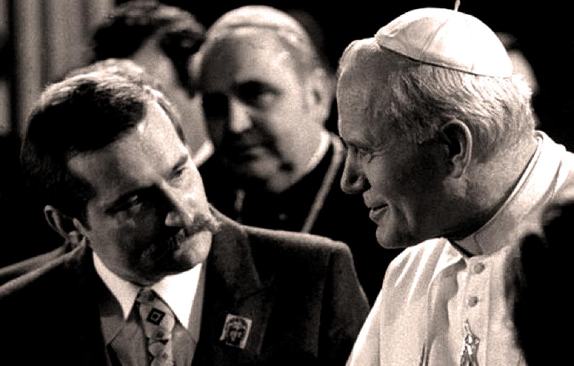 June 16, 1983 – Pope John Paul II Arrives In Poland