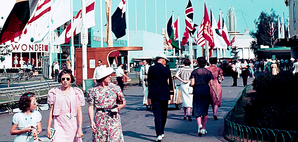 October 30, 1939  – Closing The New York World's Fair (For The Winter)