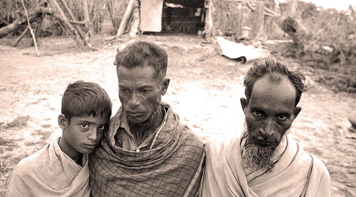 November 16, 1970 – Middle East: Glimmers Of Hope – East Pakistan: Shards Of Despair