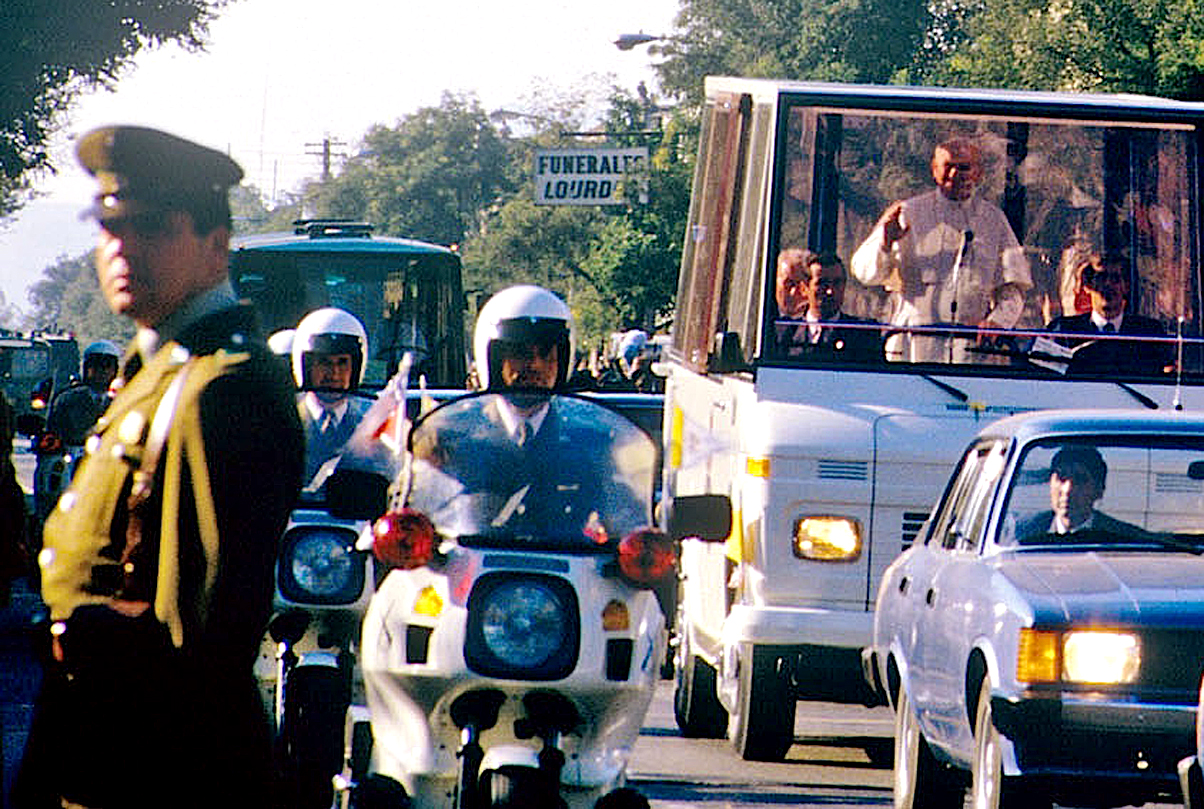 April 4, 1987 – Pope John Paul II In Chile: Shots and Teargas Amid A Mass For Peace – Looming Trade Wars