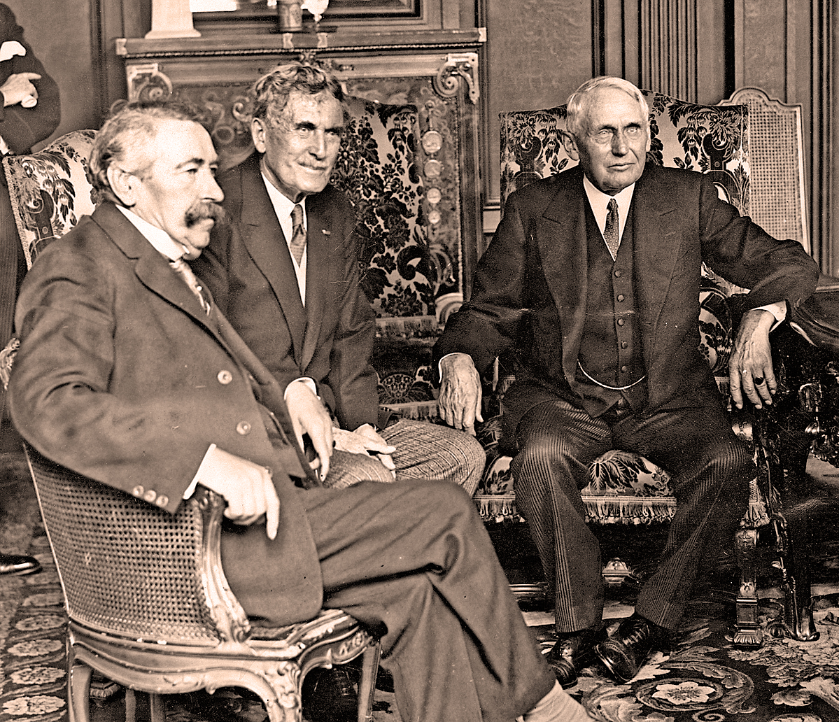 1937 – The Kellogg-Briand Pact 9 Years On – Making War Illegal – Past Daily Reference Room