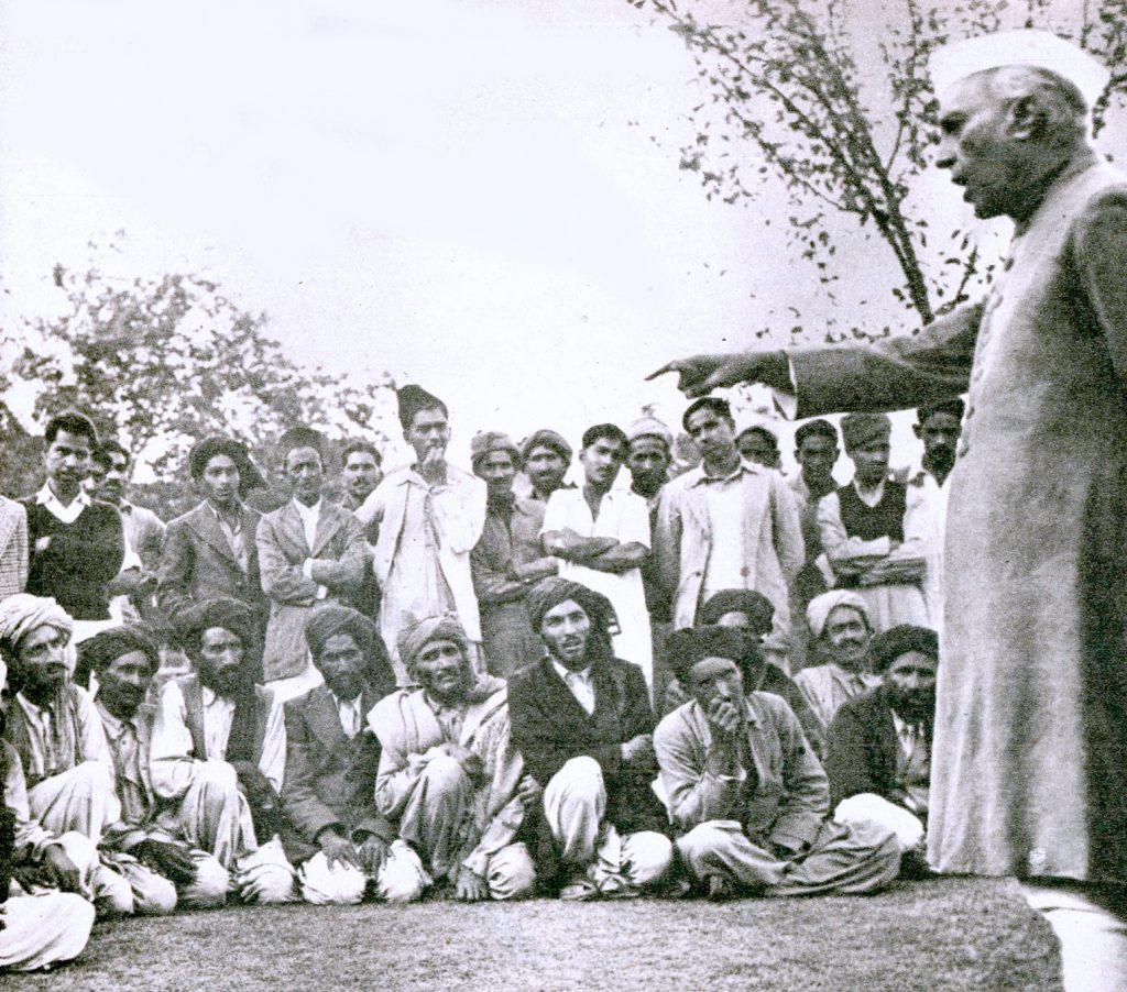 Nehru pitching the issue of Independence