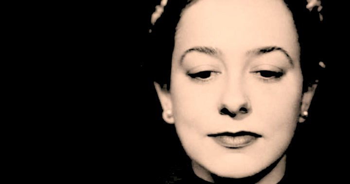 Alicia de Larrocha With Franz-Paul Decker And The Barcelona Symphony Play Korngold And Mozart – 2003 – Past Daily Mid-Week Concert